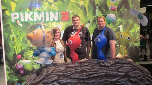 Bemused con-goers.  I mean, wouldn't you be bemused if you were reduced to the size of a Pikmin??